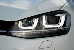 XAS/キザス PLUG DRL!/プラグDRL! フォルクスワーゲン POLO、THE BEETLE、GOLF7、GOLF TOURAN、TIGUAN、PASSAT、SHARAN、TOUAREG用 商品番号:PL2-DRL-V001